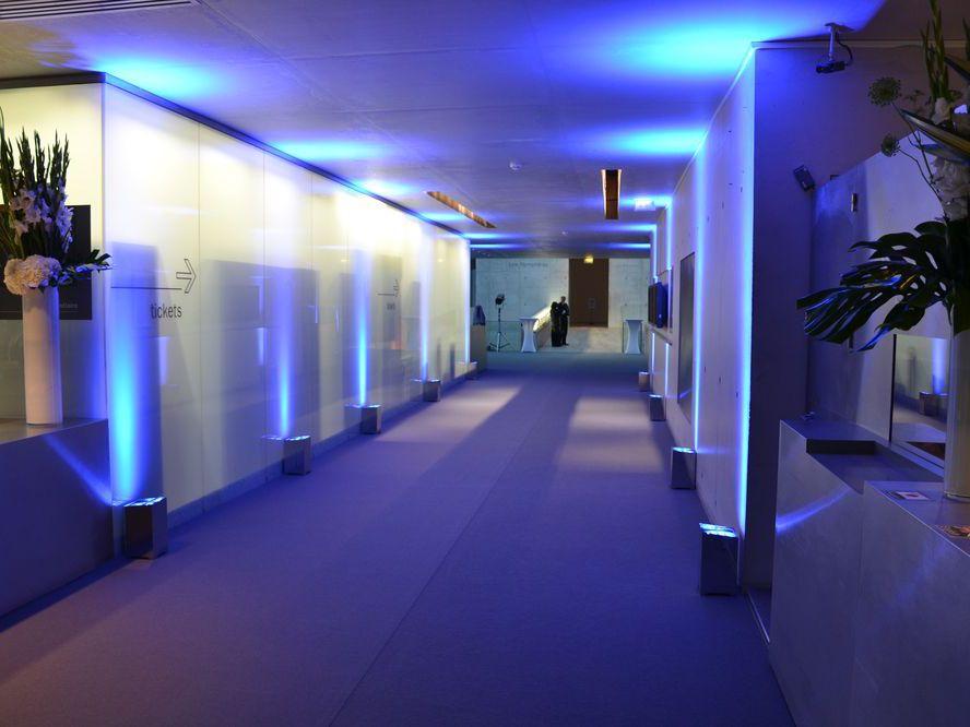 Musée de L'Orangerie Corridor